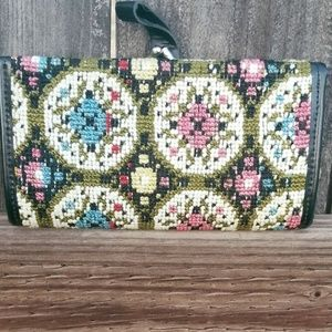 Vintage Floral Needlepoint Tapestry Clutch/Wallet